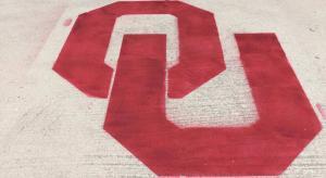 """Oklahoma """"OU"""" - Lawn Stencil Kit"""